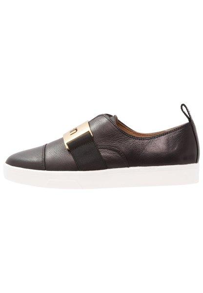 premium selection 764a2 24d18 Calvin Klein Ilona. 1 345 kr